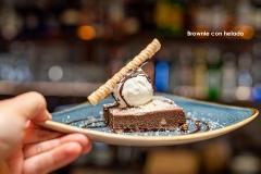 Brownie con helado 2