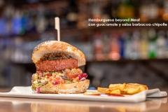 Hamburguesa beyond Meat con guacamole y salsa barbacoa - chipotle 2