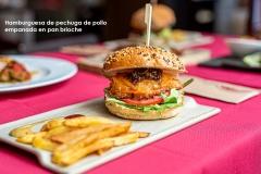 Hamburguesa de pechuga de pollo empanada con pan brioche 2