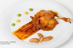 Muslo de pato confitado con peras al foie