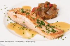 Salmón al horno con escalivada y salsa teriyaky