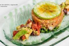Tartar de atun con mango datiles y piña caramelizada