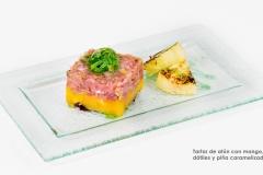 Tartar de atún con mango, dátiles y piña caramelizada